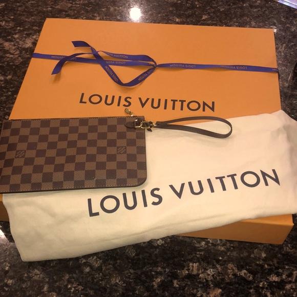 Authentic Louis Vuitton Neverfull wristlet New